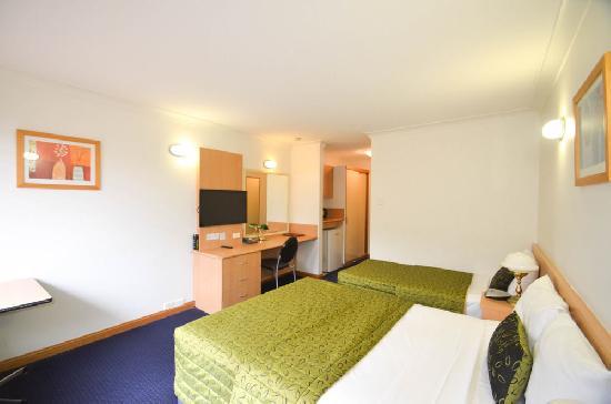 Deluxe 2 Room Hotel Suite