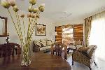 1 Bedroom Queen Spa Apartment