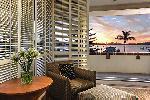 Harbour King Hotel Room